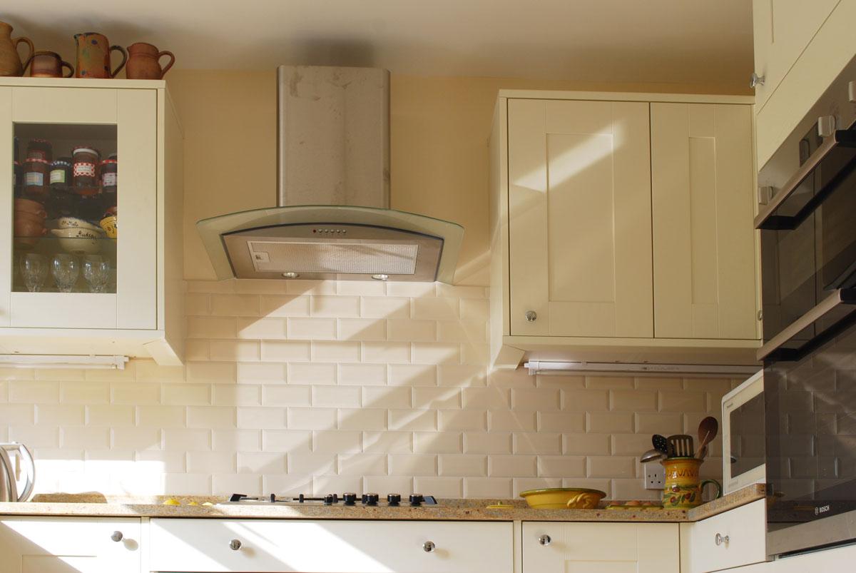 Erfreut Creme Shaker Stil Küchen Uk Galerie - Küchenschrank Ideen ...